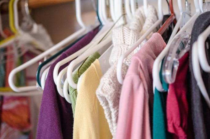 clothes_on_hangers.jpg.860x0_q70_crop-scale